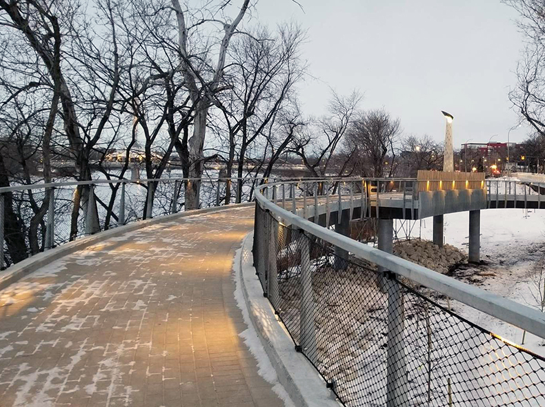 The Taché Promenade and Belvédère Saint-Boniface project was completed in June 2019.