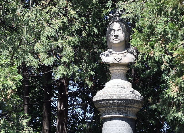 This bust of Queen Victoria was once on display in the same Jubilee Fountain display that featured Boy with the Boot statue. It is also now in the English Garden.
